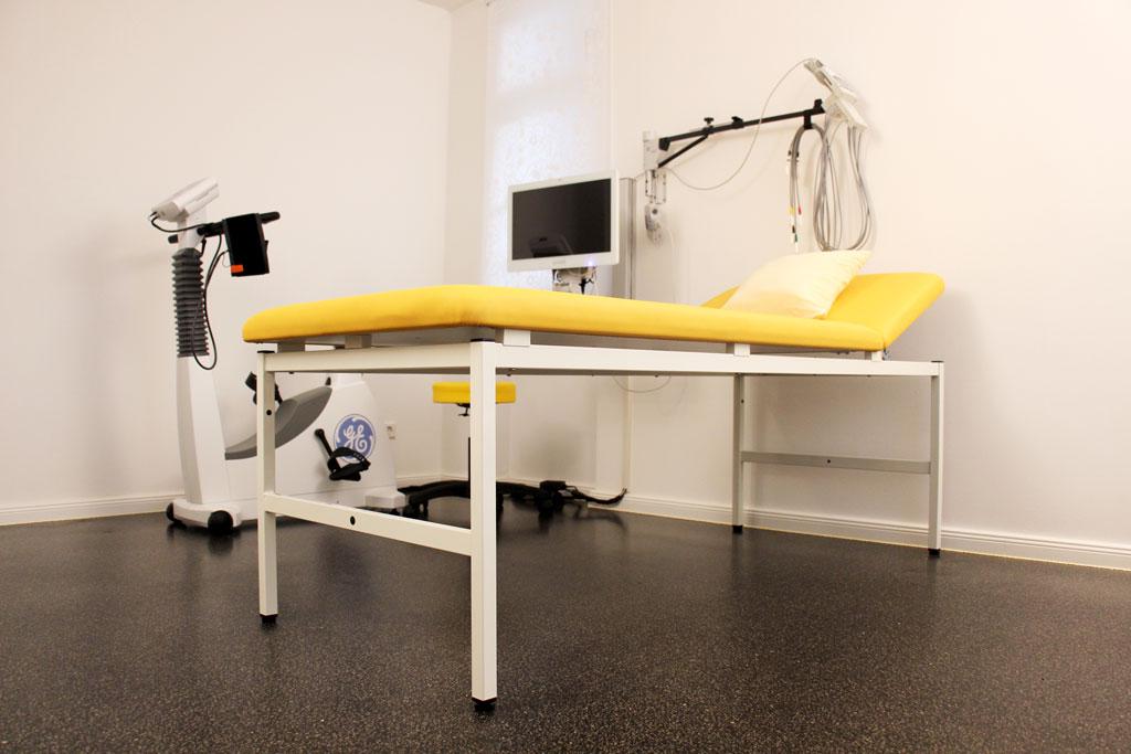 Arzt Praxis Gallwitz für Ernährungsmedizin: BIA Messung (Bioelektrische Impedanzanalyse) zur Verlaufsbeurteilung des Stoffwechsels unter Behandlung